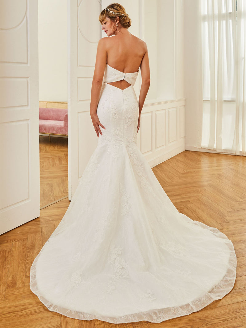 Floor-Length Trumpet/Mermaid Lace Strapless Hall Wedding Dress