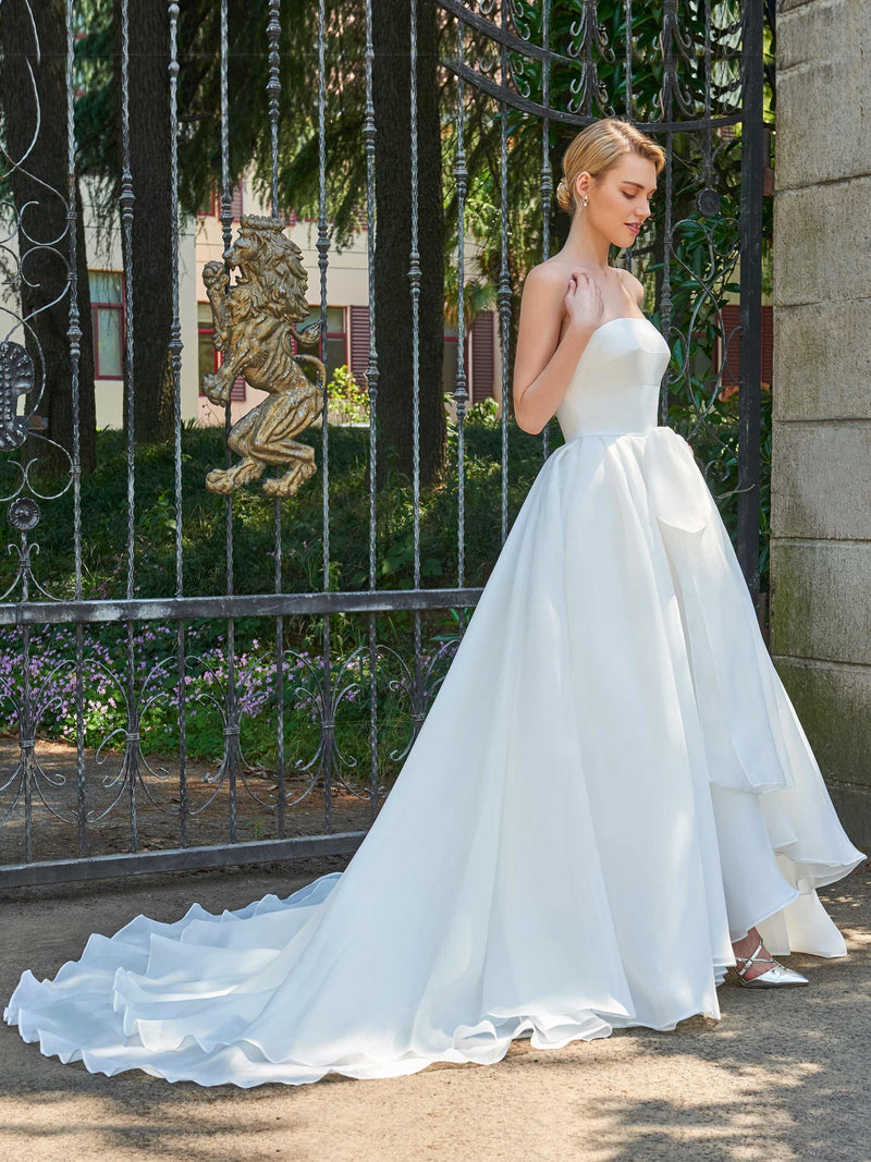 Strapless Court Sleeveless Ball Gown Hall Wedding Dress