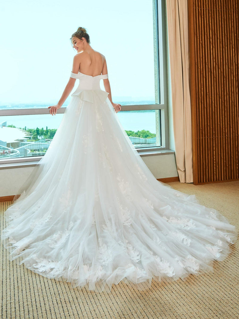 Sleeveless Off-The-Shoulder A-Line Chapel Hall Wedding Dress