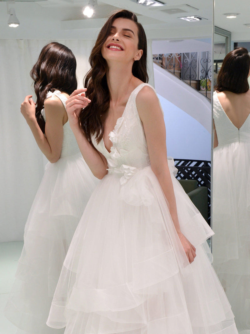 V-Neck Sleeveless Ball Gown Court Garden/Outdoor Wedding Dress