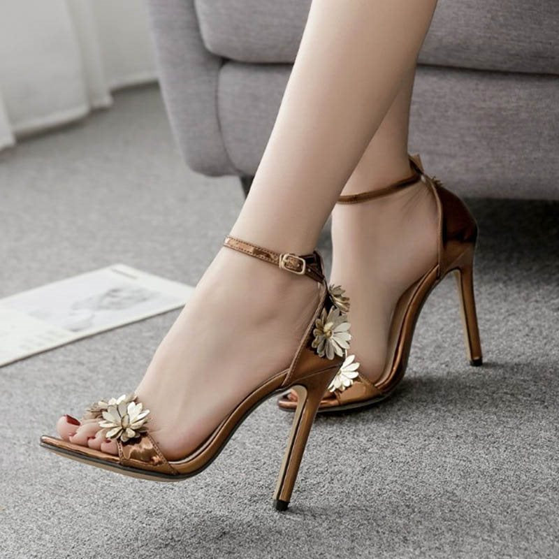 Heel Covering Open Toe Line-Style Buckle Stiletto Heel Appliques Low-Cut Upper Sandals
