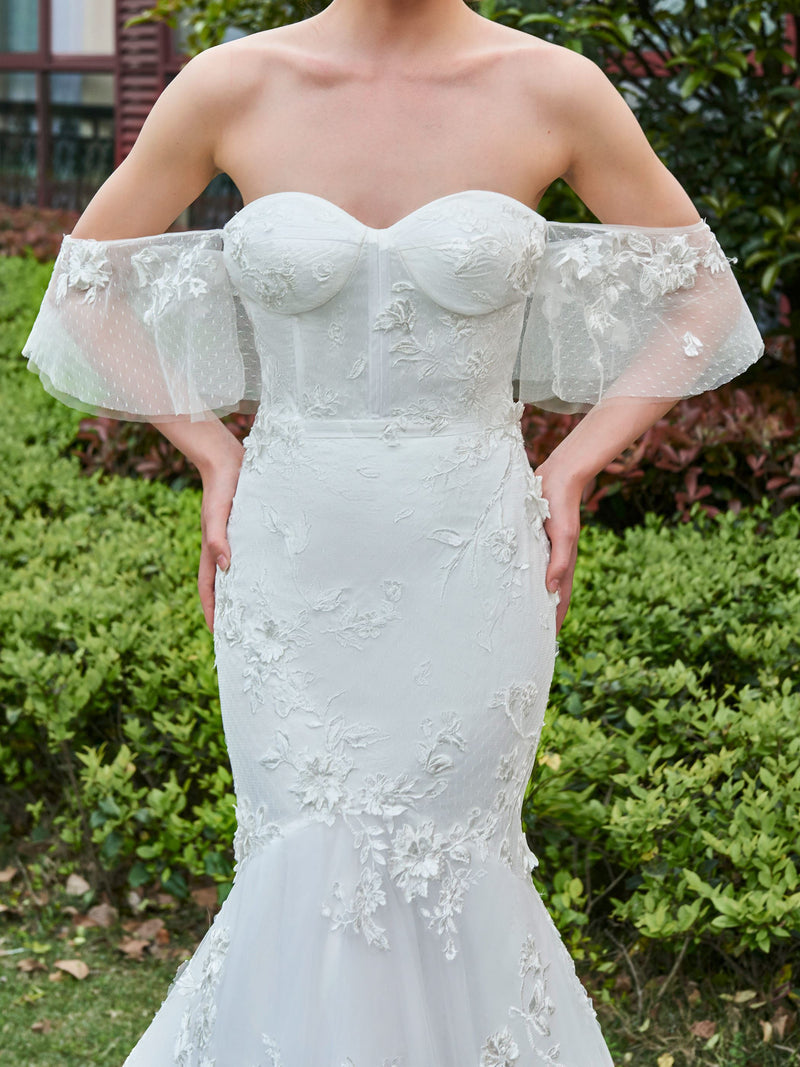 Sleeveless Court Trumpet/Mermaid Lace Church Wedding Dress