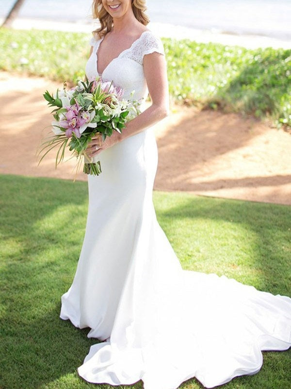 Floor-Length V-Neck Court Trumpet/Mermaid Garden/Outdoor Wedding Dress