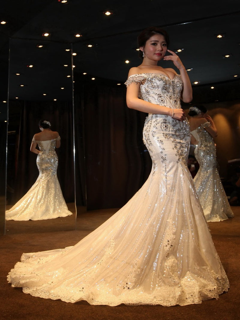 Court Sleeveless Floor-Length Trumpet/Mermaid Garden/Outdoor Wedding Dress