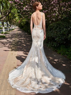 Court Sleeveless V-Neck Lace Garden/Outdoor Wedding Dress