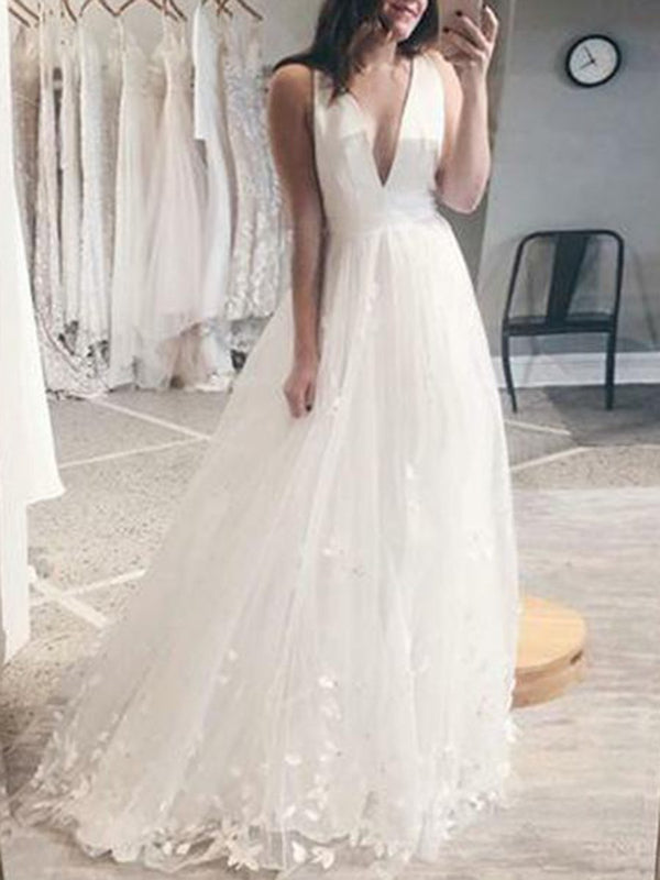 Appliques Sleeveless A-Line V-Neck Garden/Outdoor Wedding Dress