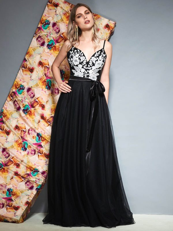 Spaghetti Straps Appliques Sleeveless A-Line Prom Dress