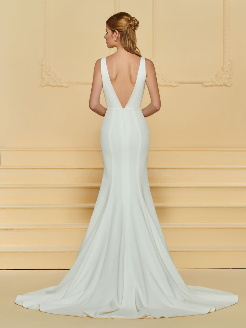 Floor-Length V-Neck Sleeveless Trumpet/Mermaid Garden/Outdoor Wedding Dress