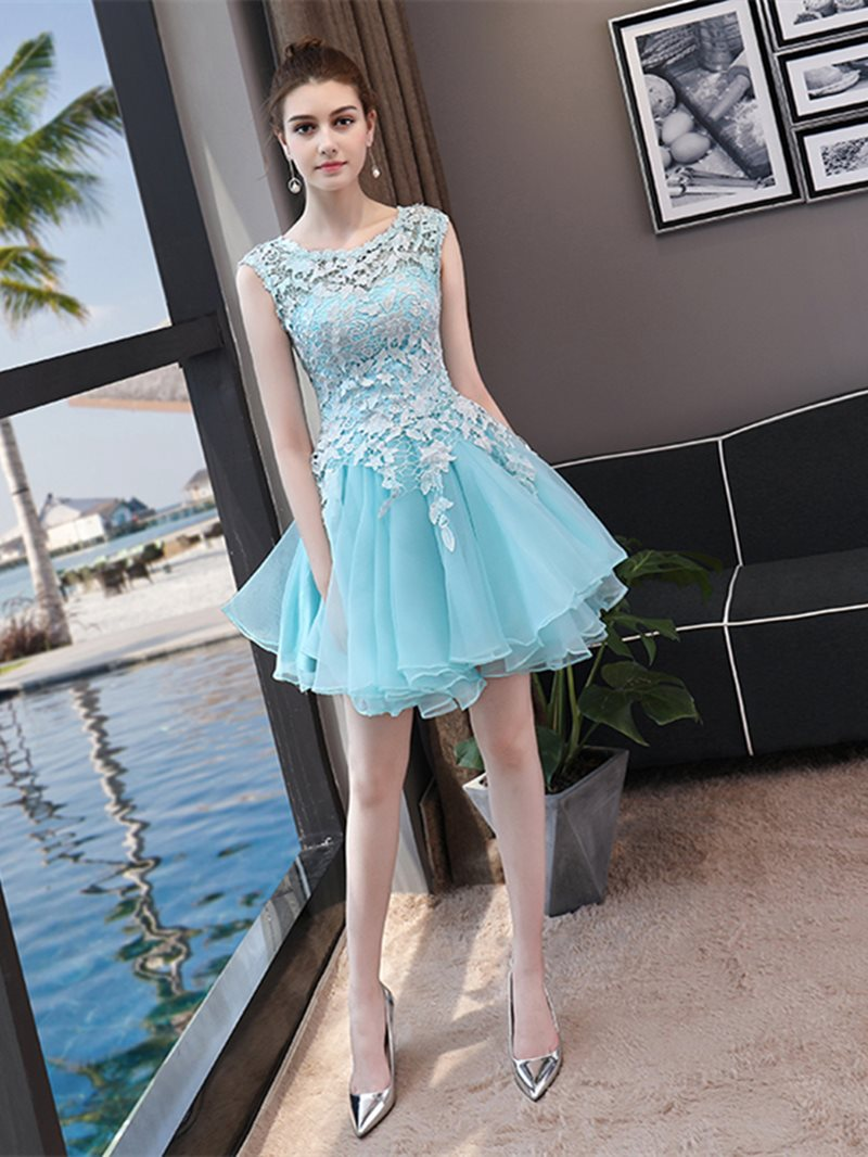 A-Line Scoop Short/Mini Lace Homecoming Dress