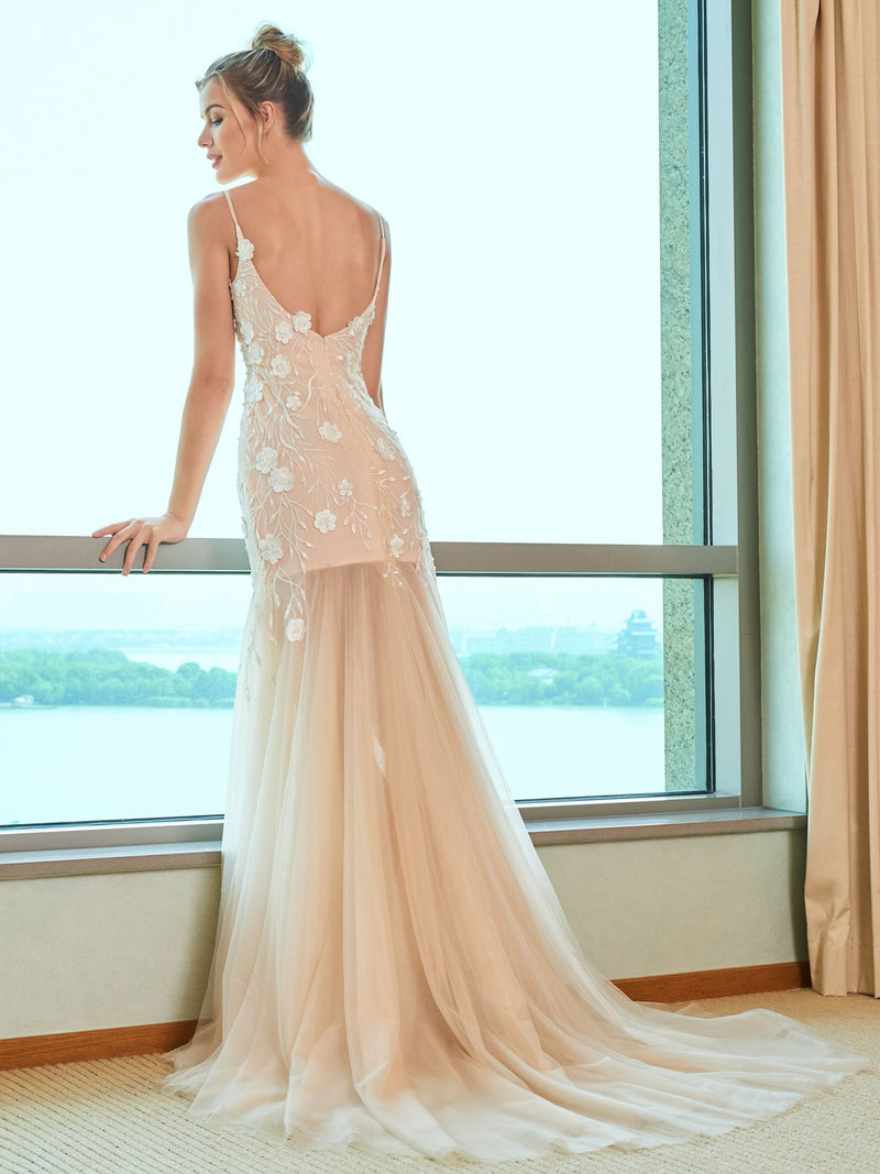Spaghetti Straps Trumpet/Mermaid Embroidery Floor-Length Garden/Outdoor Wedding Dress
