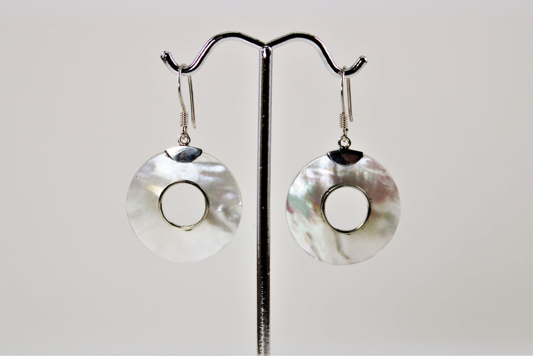 Mother of Pearl Round Earrings