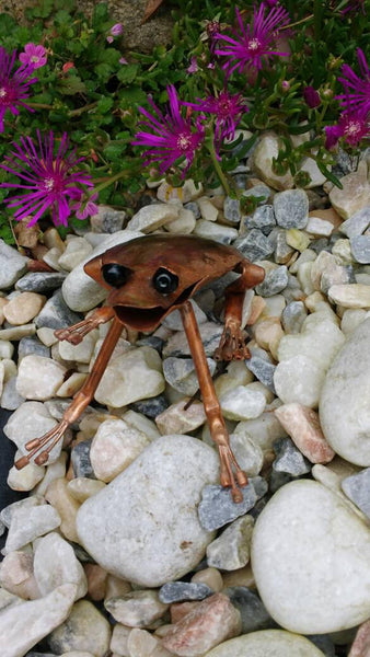 Copper frog sculpture - Deshca Designs