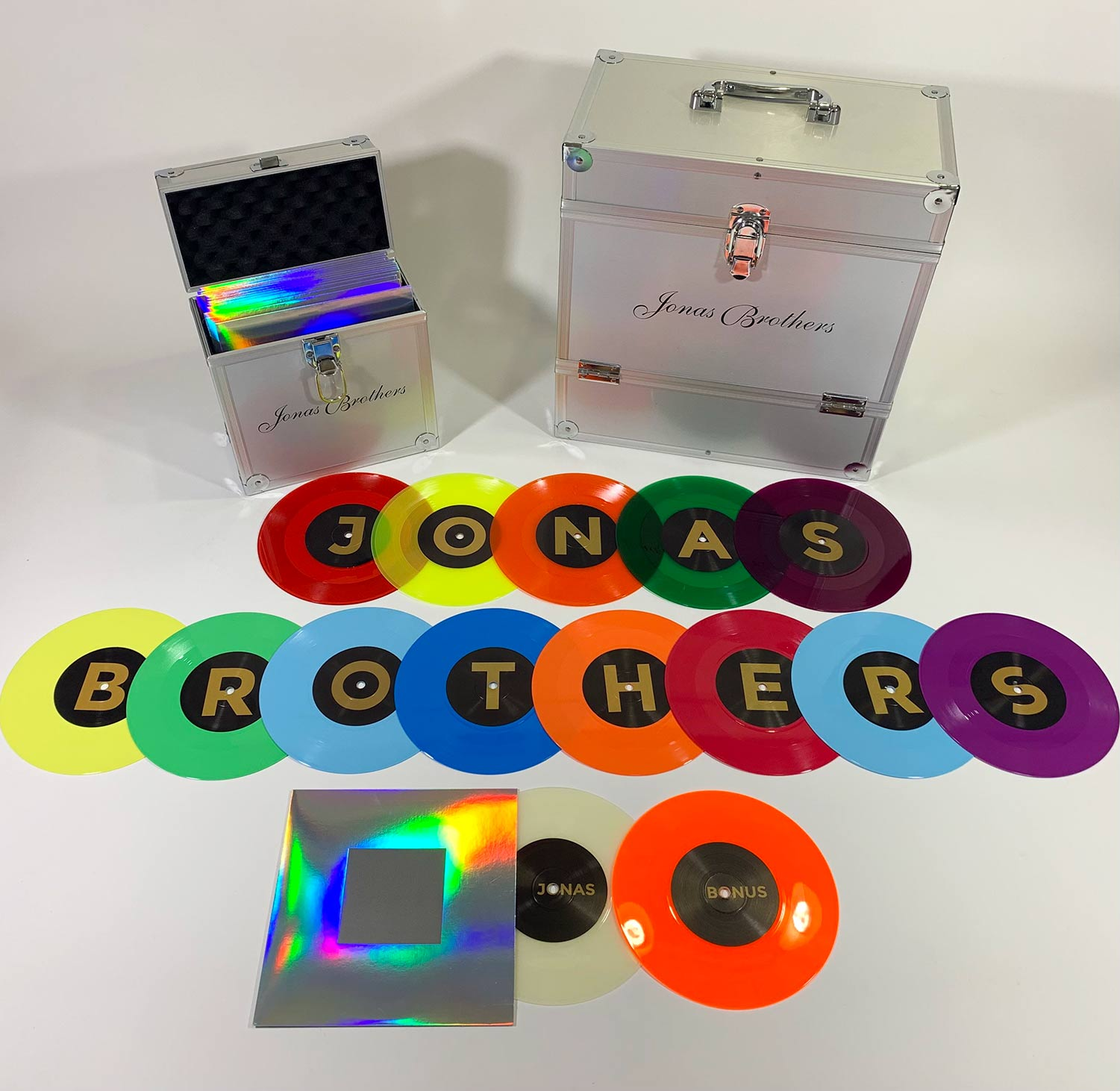 Jonas Singles Deluxe Treasure Chest