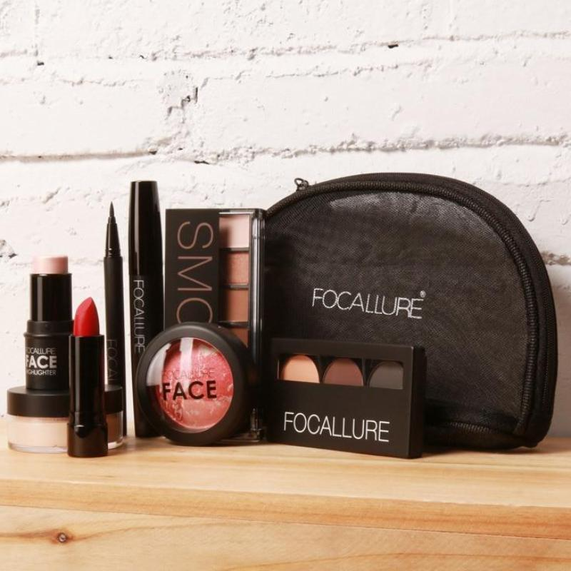 Focallure™ Must Have Makeup Tool Kit w/ Cosmetic Bag   Roxee