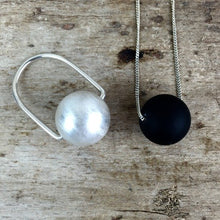 Load image into Gallery viewer, NECKLACE WITH LARGE SILVER SPHERE MATT
