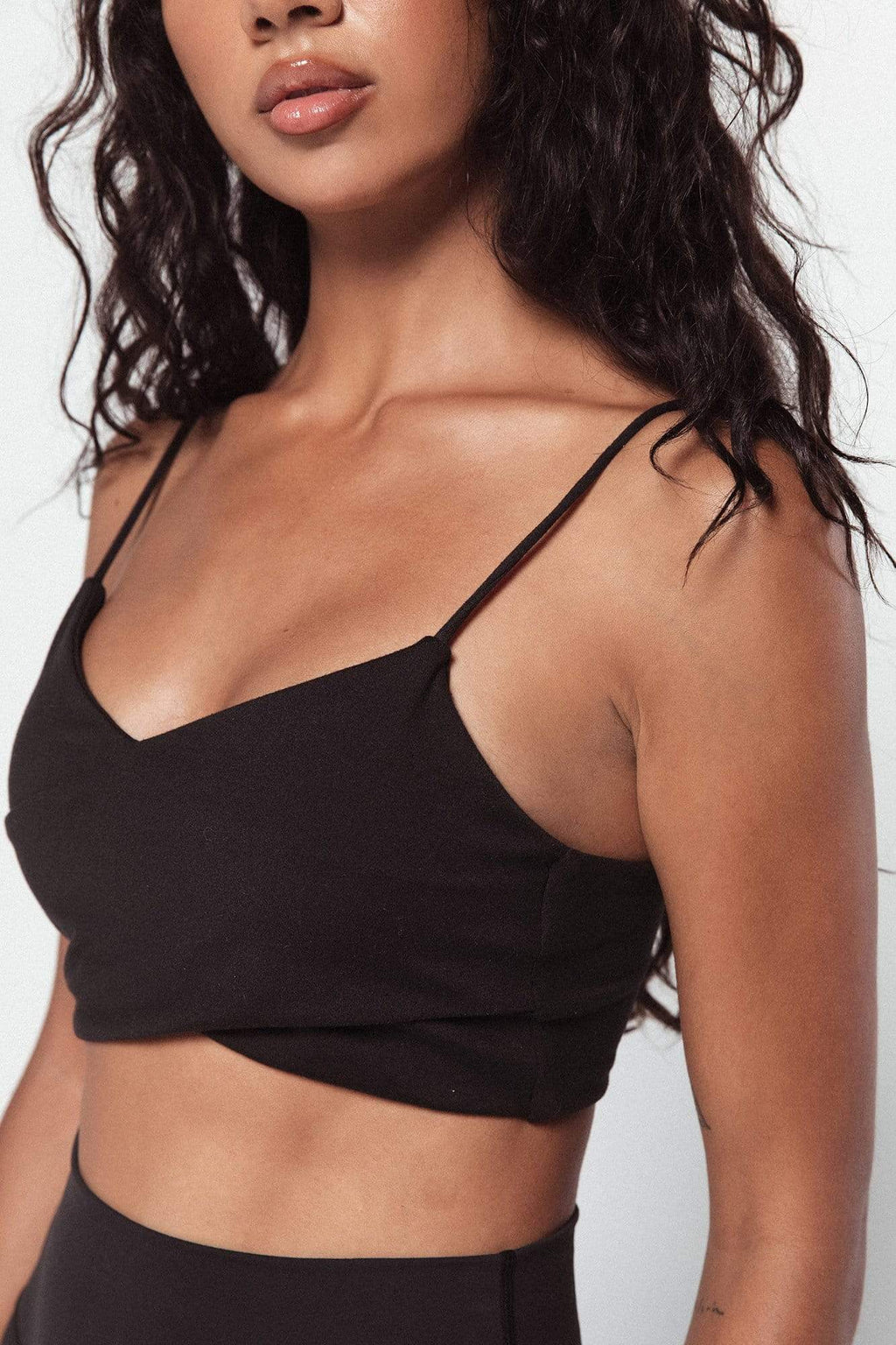 The Twist Top (Black)