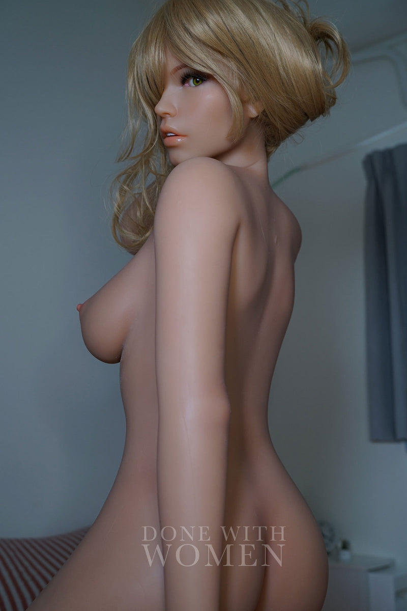 Jenna Silicone 160cm Piper Doll absolutely beautiful photo from behind turning