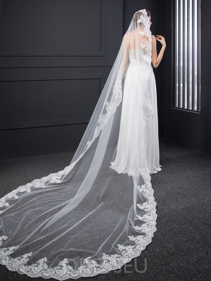 One-Layer Tulle Wedding Veils Chapel Train With Lace Appliques