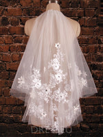 Cream Two-Layer Short Tulle with Lace Wedding Veil