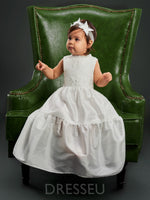 Scoop Neck Sleeveless Lace Christening Gown for Girls with Headband