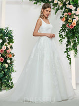 Appliques Sweep/Brush Train Floor-Length Ball Gown Wedding Dress