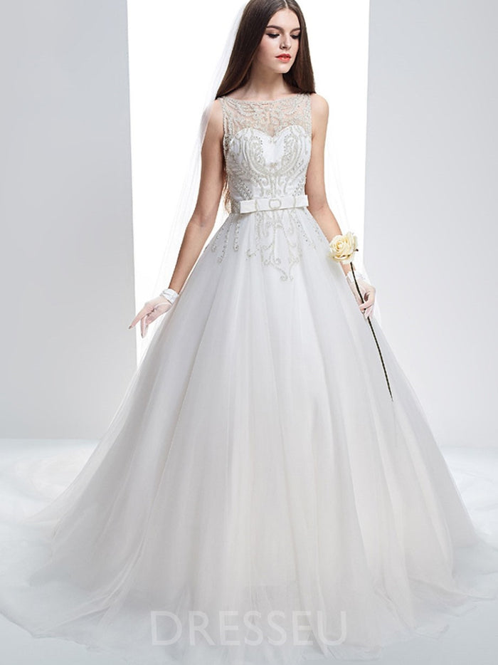Floor-Length Scoop Sleeveless Court Wedding Dress