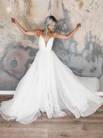 Sleeveless A-Line Spaghetti Straps Floor-Length Garden/Outdoor Wedding Dress