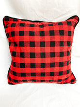 Load image into Gallery viewer, Buffalo Plaid Throw Pillow