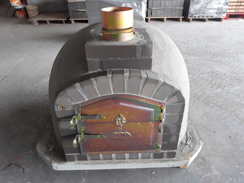 Wood-burning Pizza Oven with Orange Brick