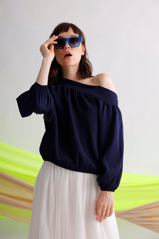 One shoulder puff sleeves top