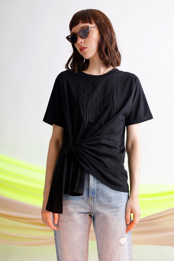 Victory embroidered knotted cotton jersey tee