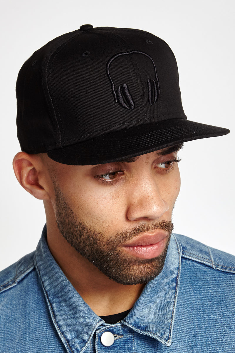 SOUNDOFF.HEADPHONES.SNAPBACK.BLACK.EMBROIDERY.ON.BLACK.