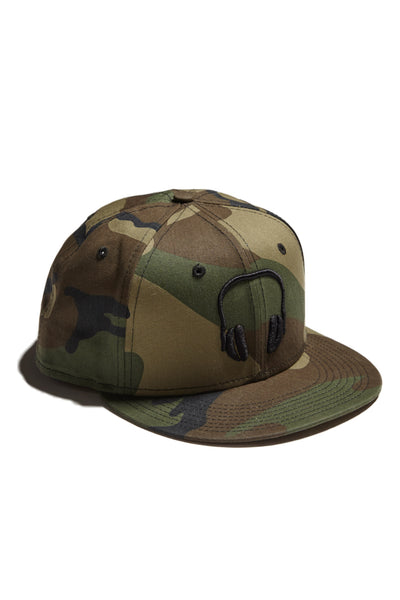SOUNDOFF.HEADPHONES.SNAPBACK.BLACK.EMBROIDERY.ON.CAMO.