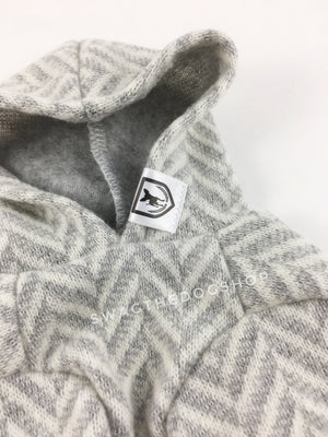 Après Ski Gray Hoodie - Front close up view of label and hood. Gray and White Herringbone Hoodie