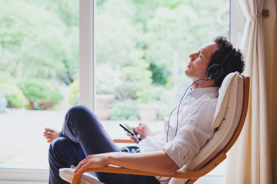 5 Music & Sound Options for Relaxing in a Zero Gravity Massage Chair