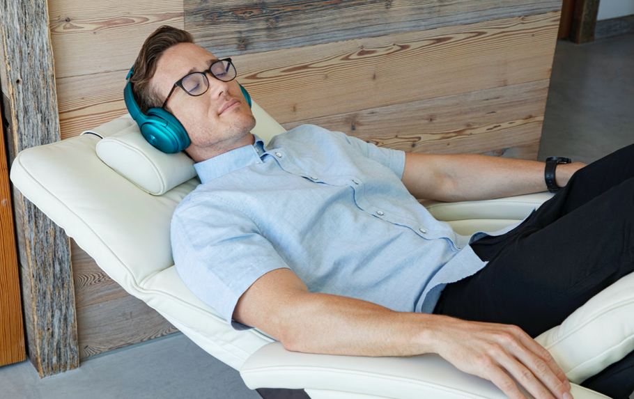 4 Ways Sleeping in a Zero Gravity Chair Improves Sleep Quality