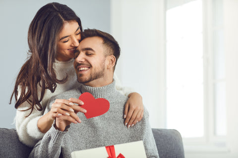 couple giving the perfect valentine's day gifts