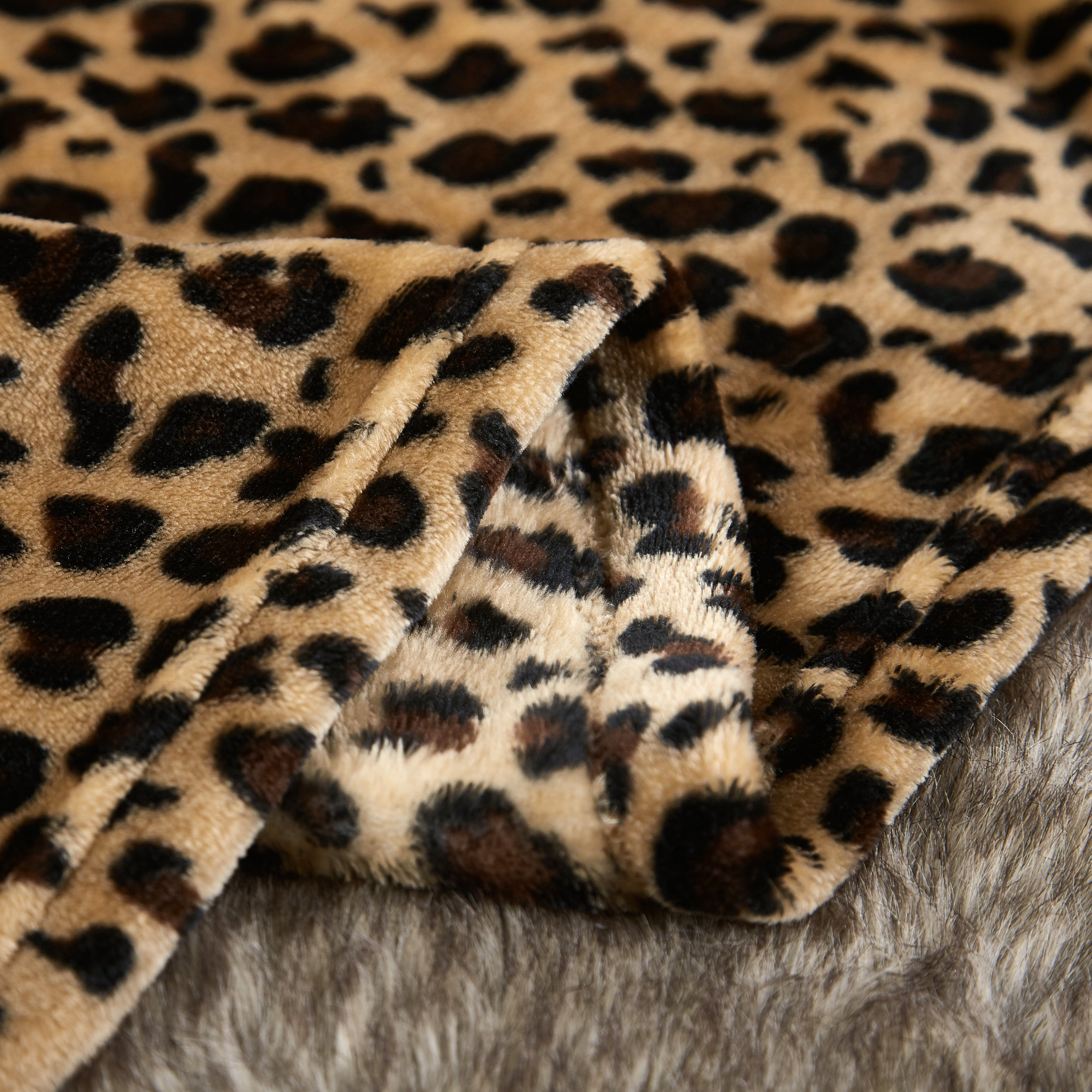Cheetah Leopard Throw Blanket Plaid Ultra-Plush Soft Colorful Oversized Decorative Couch Travel Blanket