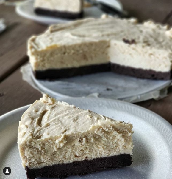 KETO PEANUT BUTTER BROWNIE CHEESECAKE