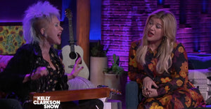 Kelly Clarkson And Cyndi Lauper Sang 'True Colors' Together And It Was Amazing