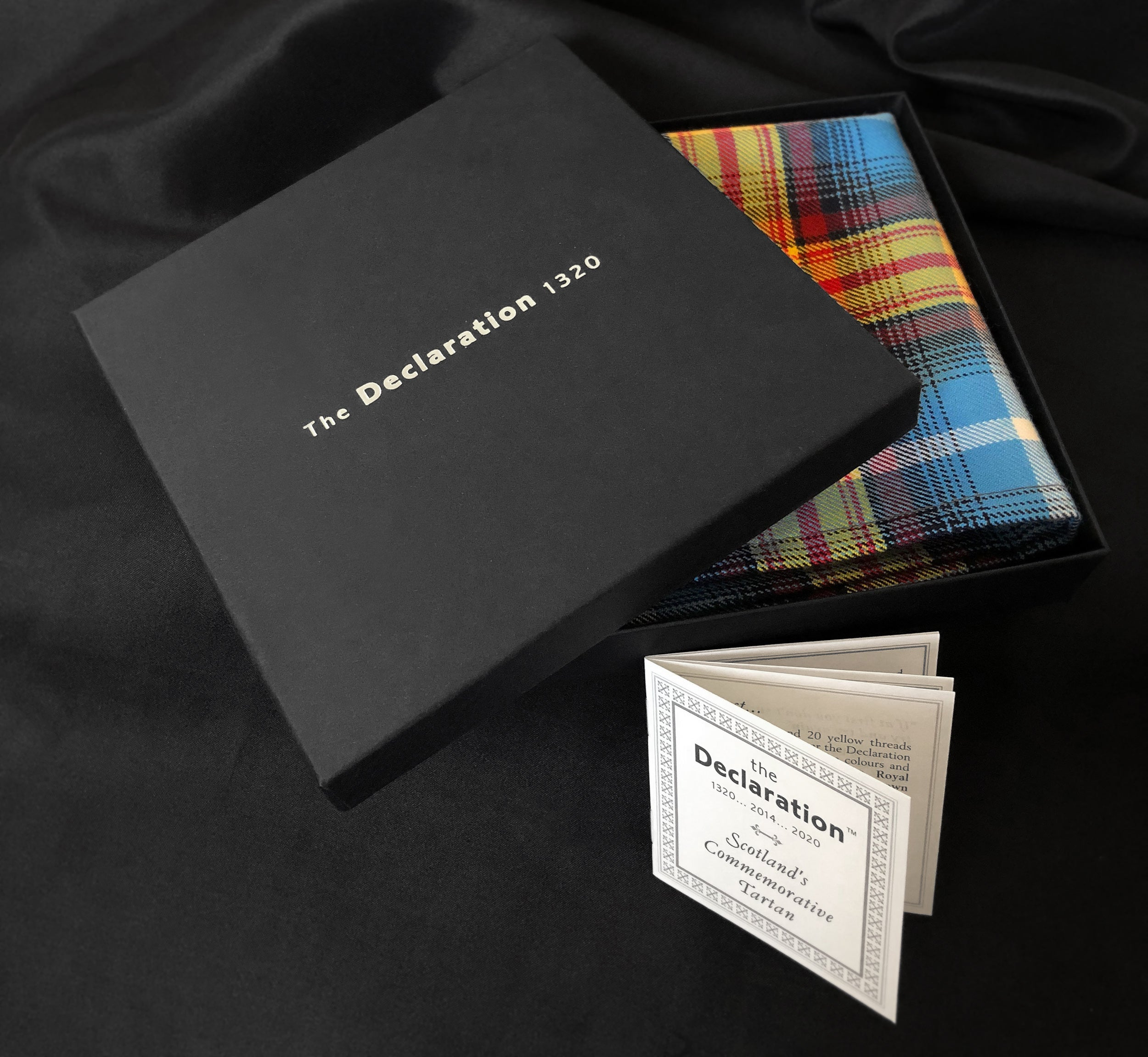 boxed pocket square Declaration of Scottish Independence tarta