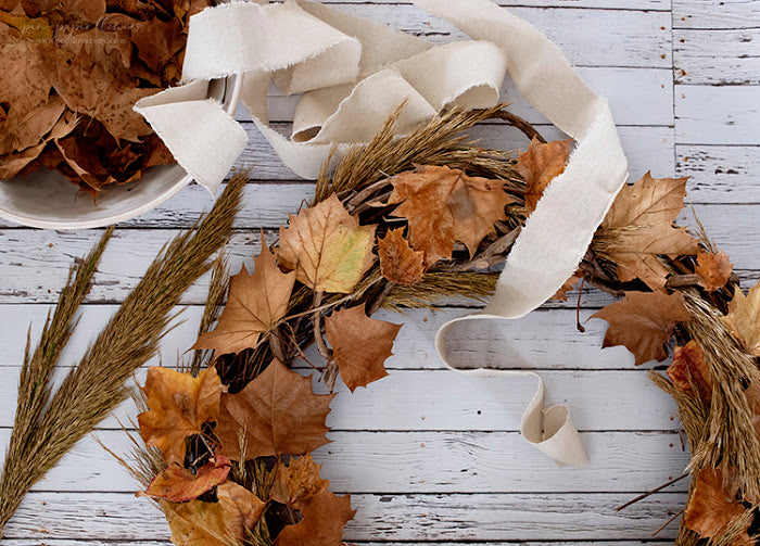 DIY | Pretty Fall Leaves Wreath