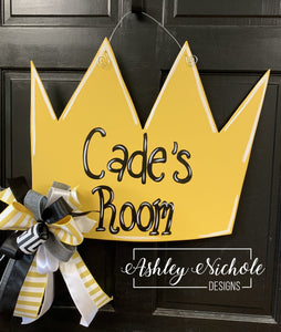 Crown-Name Door Hanger