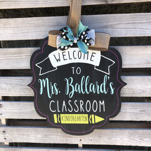 CLASSROOM WELCOME PERSONALIZED BRACKET: DOOR HANGER DESIGN
