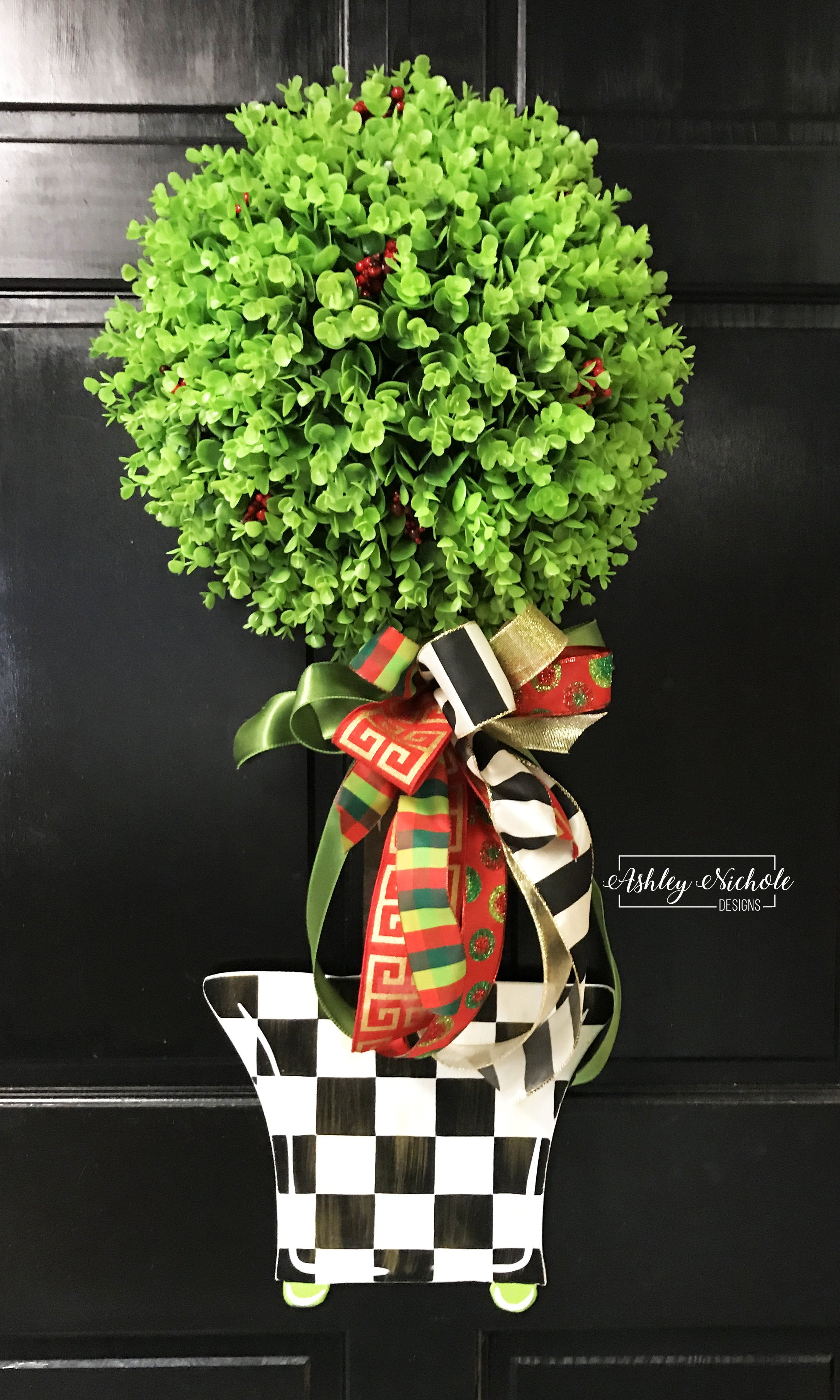 Christmas Topiary - Single Ball - Checkered - Door Hanger