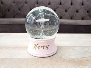 Personalized snow globe