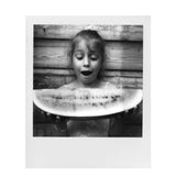 B&W Polaroid 600 Instant Film Sample Photo by Erwan Bela