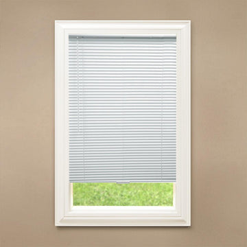 Hampton Bay White Cordless 1 in. Room Darkening Vinyl Blind, 48in Drop
