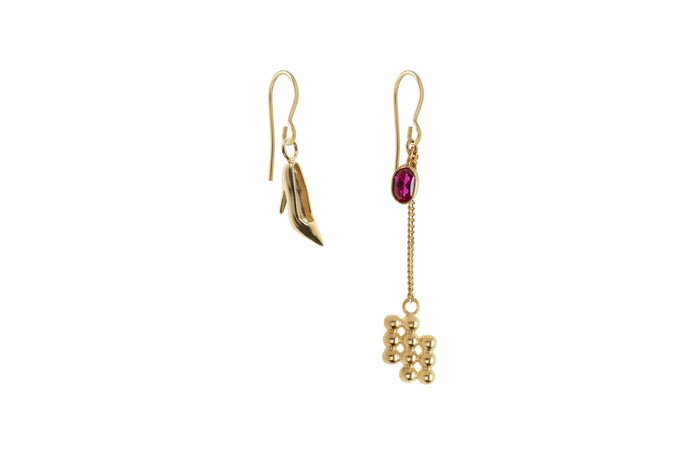 Jasmien Witvrouwen - Asymmetric Earrings – Pump 1.0