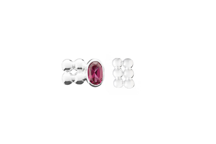 Jasmien Witvrouwen - Asymmetric Stud Earrings – Ruby 2.0